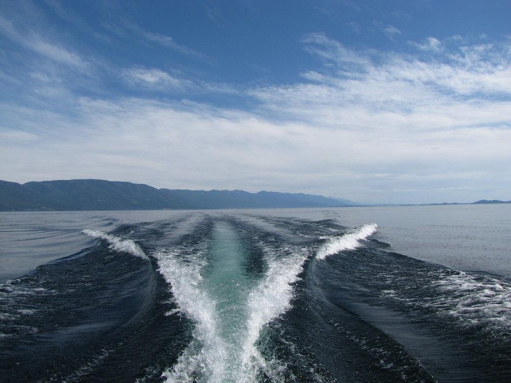 boat-wake.jpg
