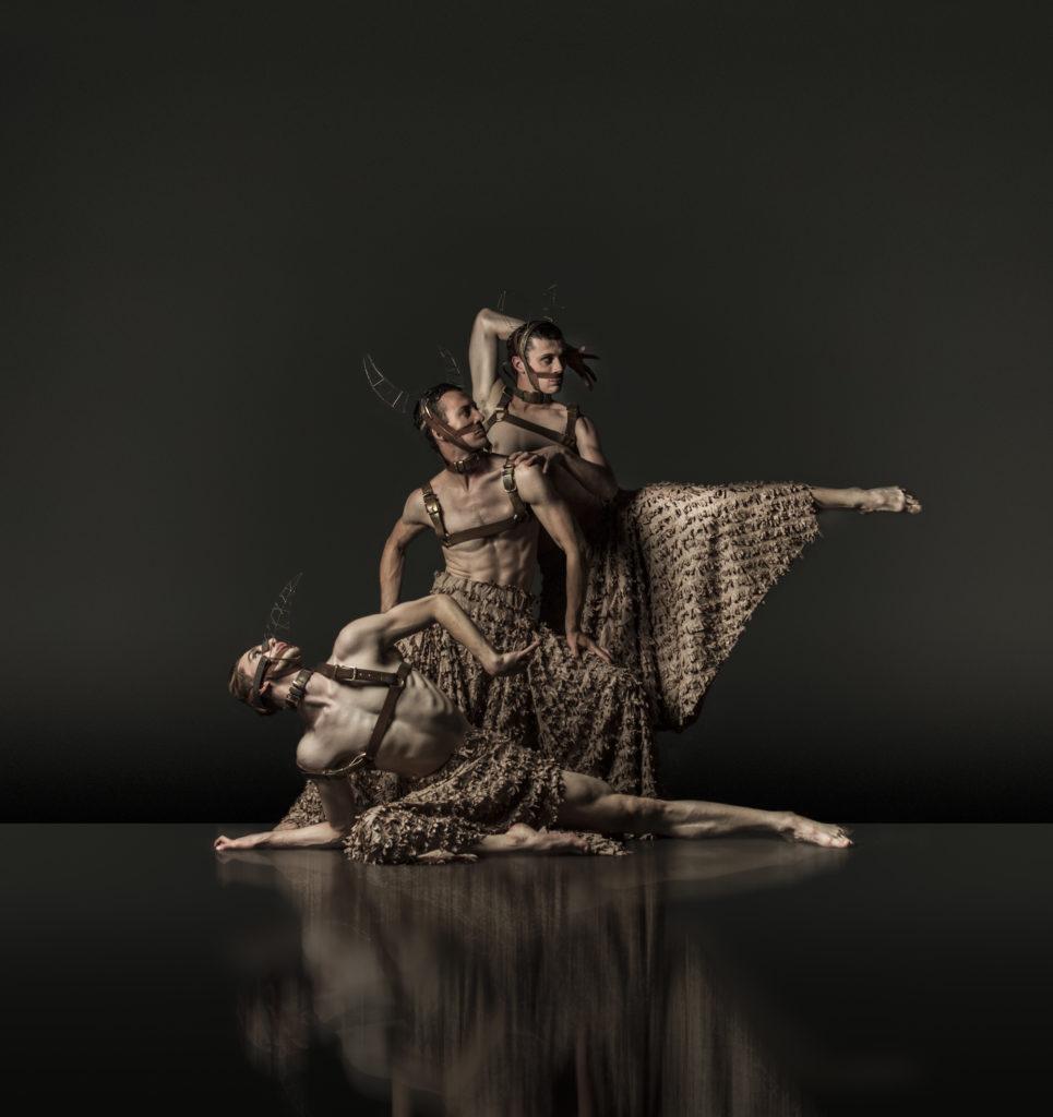 DeNada-Dance-Theatre-TORO-Jonathon-Luke-Baker-Michael-Barnes-Nicholas-Tredrea-photo-Joe-Armitage-965x1024.jpg