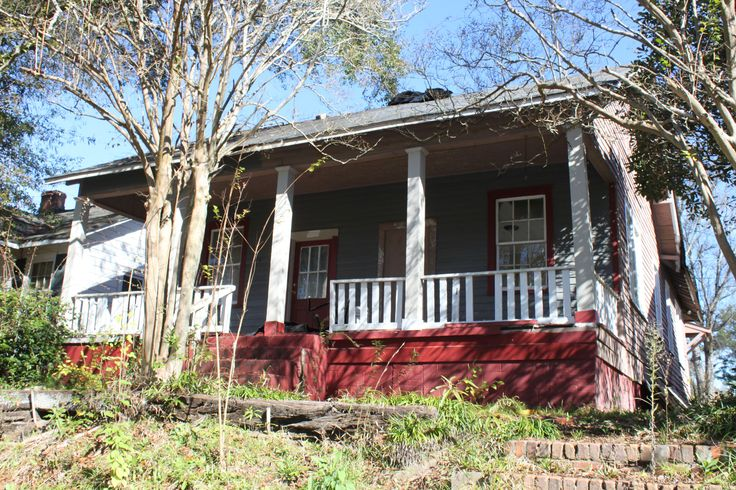 A house in East Macon that will be rehabbed for artist residents