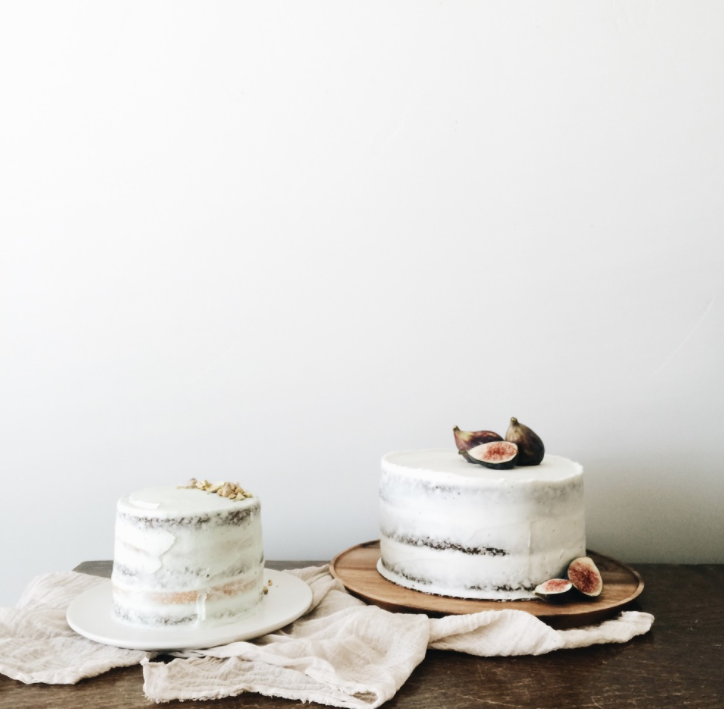 Beautiful minimal cake by  Annie Bee Cakery .