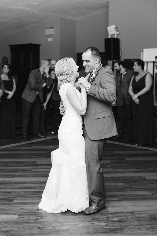 Ashley-reed-photography-pittsburgh-wedding-photographer-ashley-reed-pocconos-pa-mountain-top-wedding-109.jpg