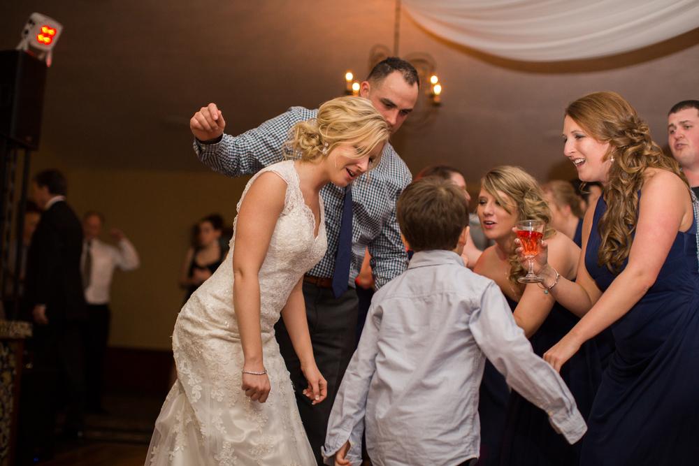 Ashley-reed-photography-pittsburgh-wedding-photographer-ashley-reed-pocconos-pa-mountain-top-wedding-128.jpg