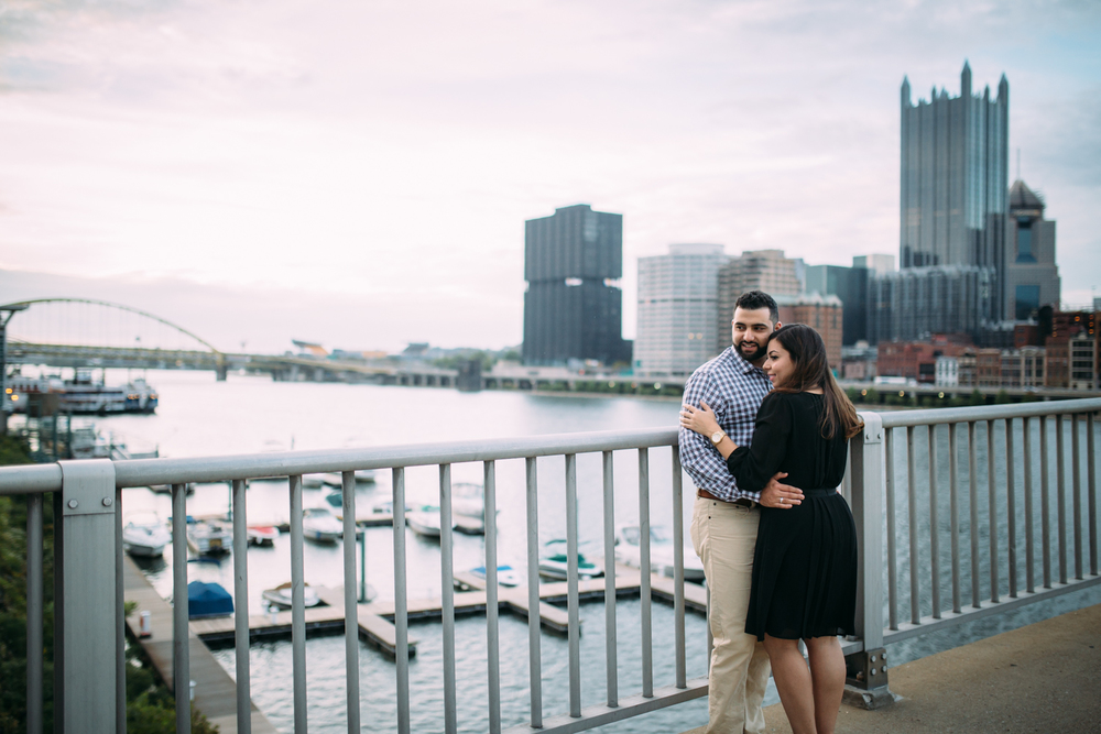 Ashley-reed-photography-pittsburgh-engagement-engagementphotography-engagementphotographer-stationsquare-statio-square-pittsburghengagementphotography-30.jpg