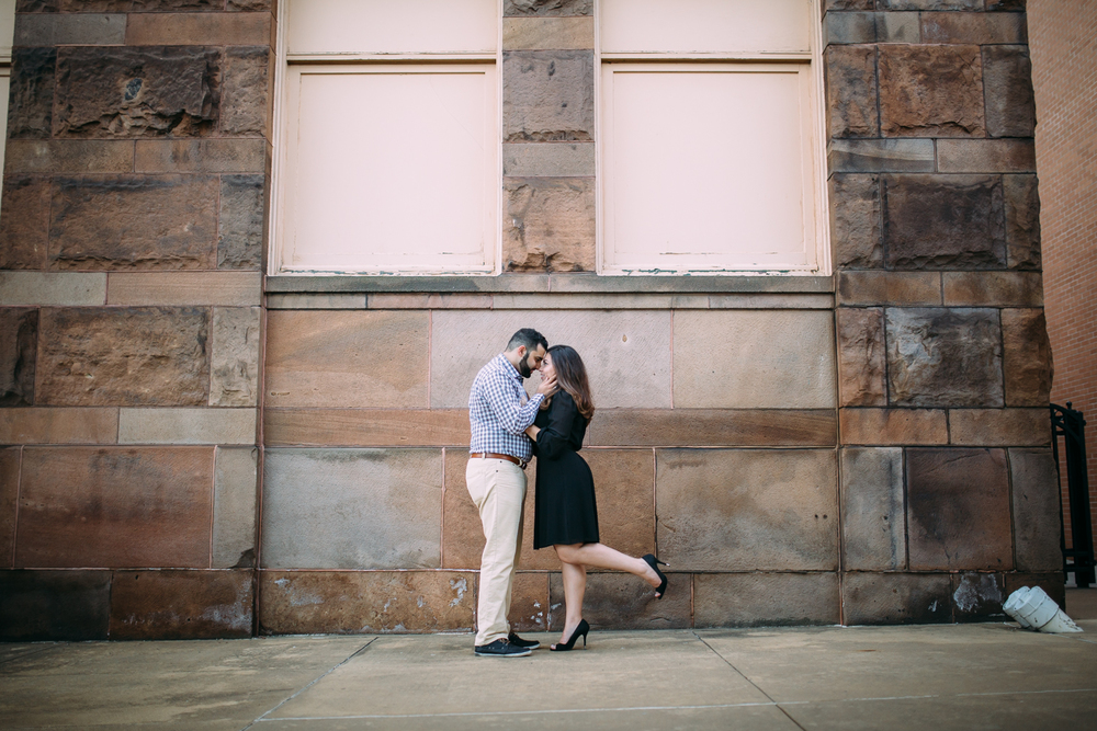 Ashley-reed-photography-pittsburgh-engagement-engagementphotography-engagementphotographer-stationsquare-statio-square-pittsburghengagementphotography-23.jpg