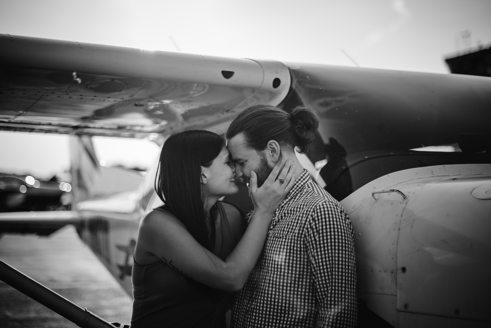Pittsburgh_airplane_engagement_session021.jpg
