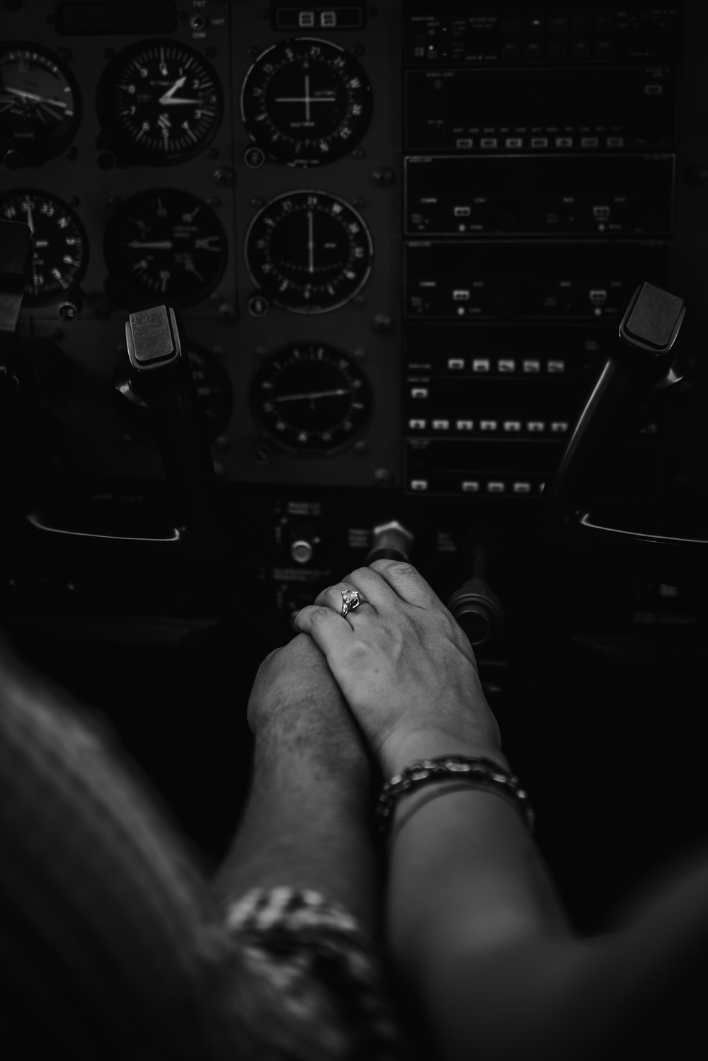 Pittsburgh_airplane_engagement_session046.jpg