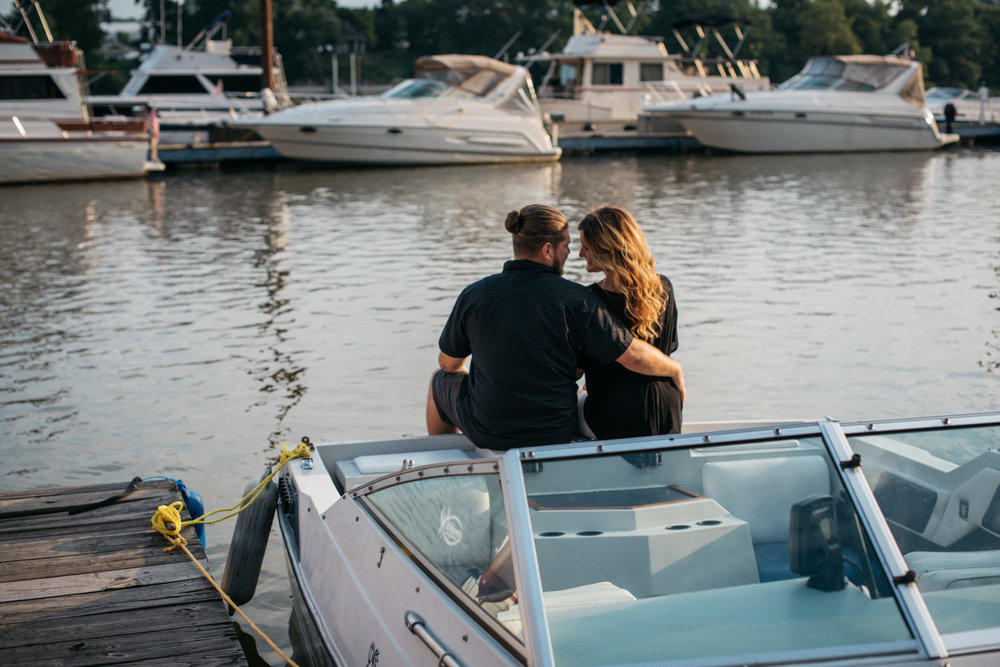pittsburgh_boat_engagement_session_-5.jpg