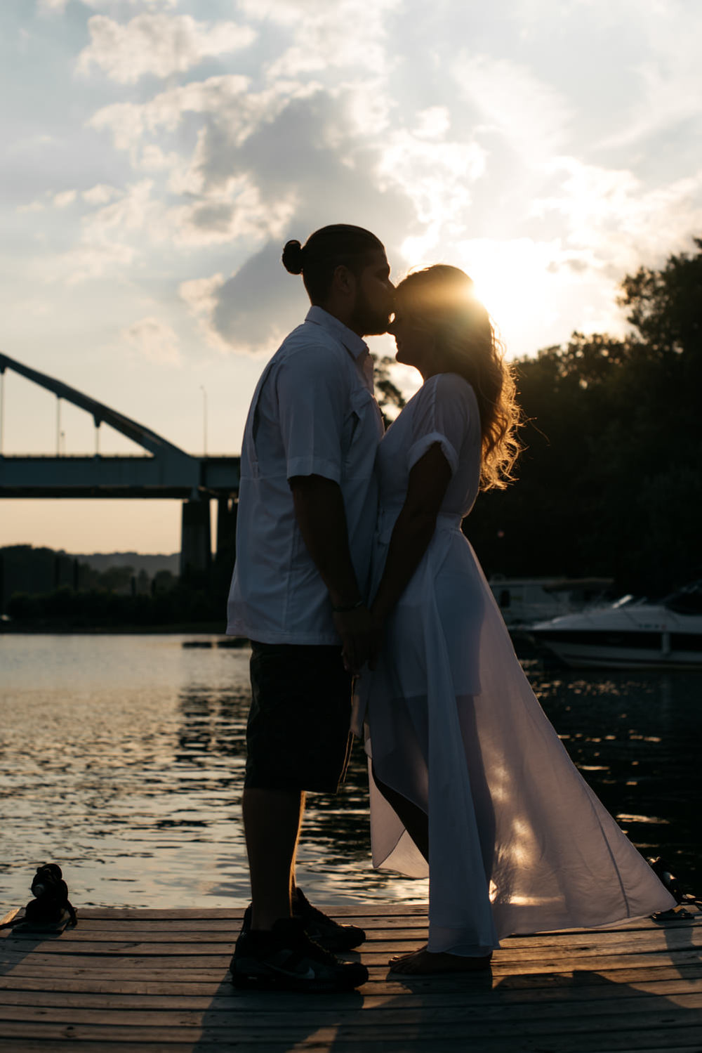 pittsburgh_boat_engagement_session_-10.jpg