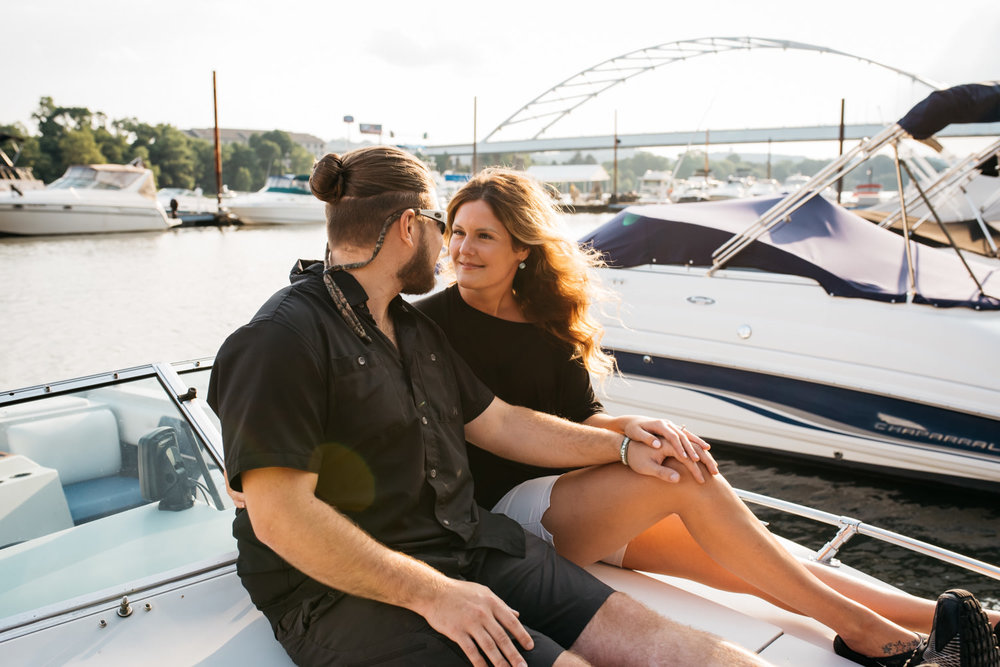 pittsburgh_boat_engagement_session_-30.jpg