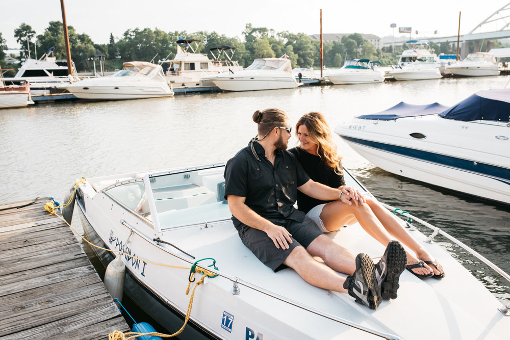 pittsburgh_boat_engagement_session_-29.jpg