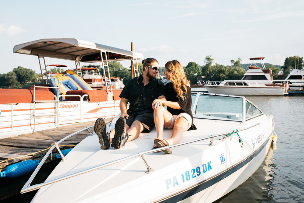 pittsburgh_boat_engagement_session_-31.jpg