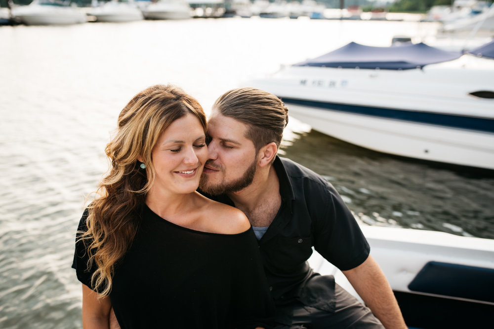 pittsburgh_boat_engagement_session_-32.jpg