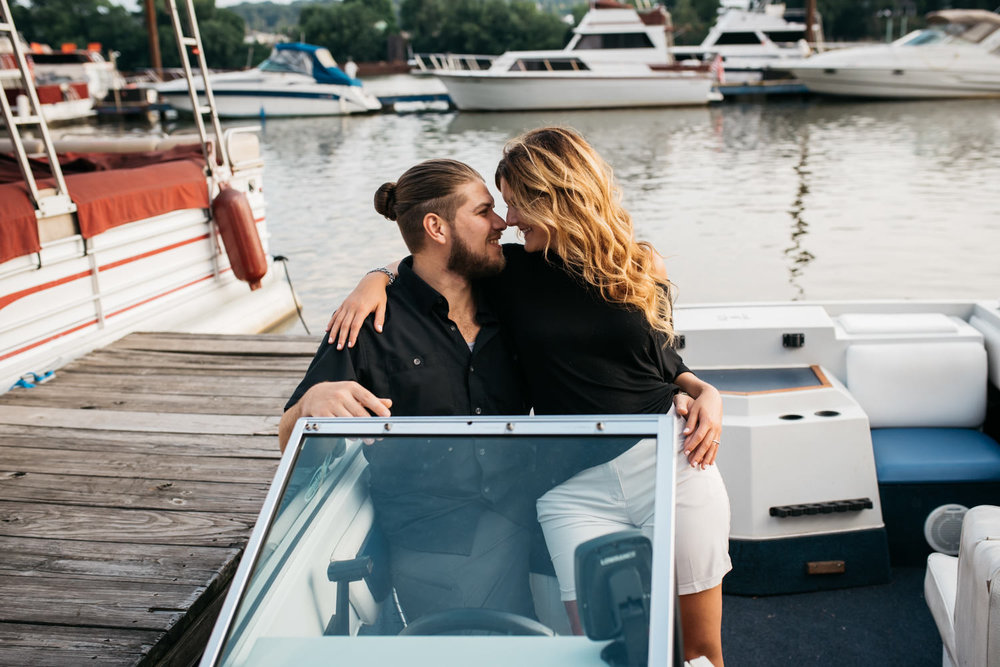 pittsburgh_boat_engagement_session_-38.jpg