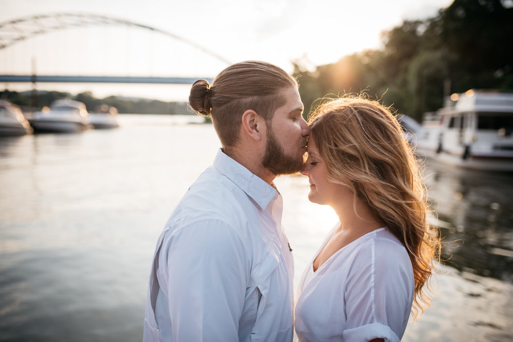 pittsburgh_boat_engagement_session_-40.jpg