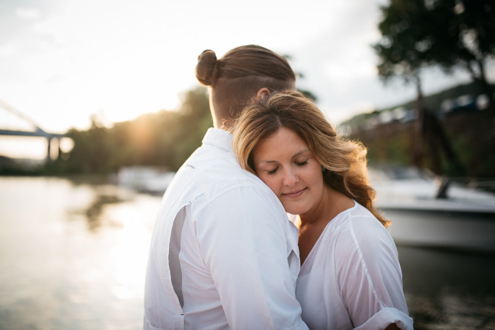 pittsburgh_boat_engagement_session_-42.jpg