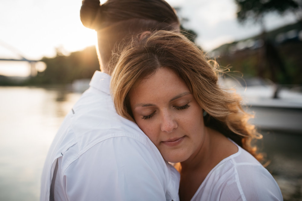 pittsburgh_boat_engagement_session_-43.jpg