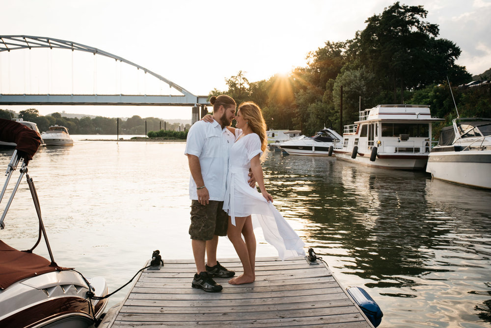 pittsburgh_boat_engagement_session_-46.jpg
