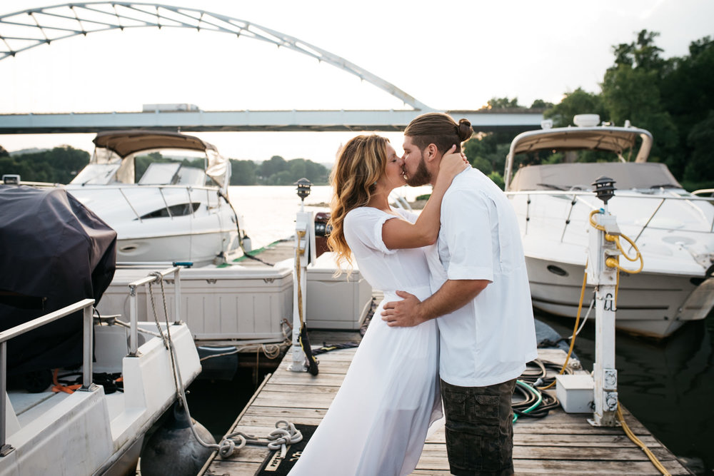 pittsburgh_boat_engagement_session_-48.jpg