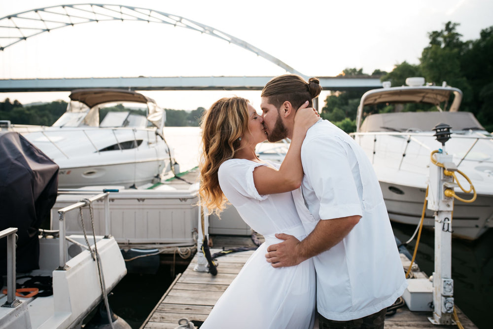 pittsburgh_boat_engagement_session_-49.jpg