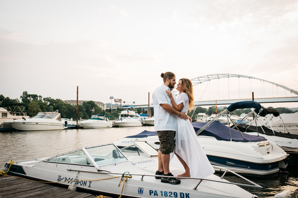 pittsburgh_boat_engagement_session_-57.jpg