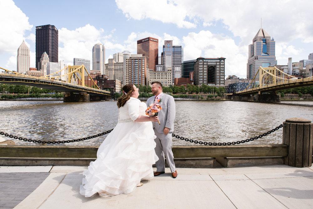 Pittsburgh_National_Aviary_Wedding_Photos_8.jpg