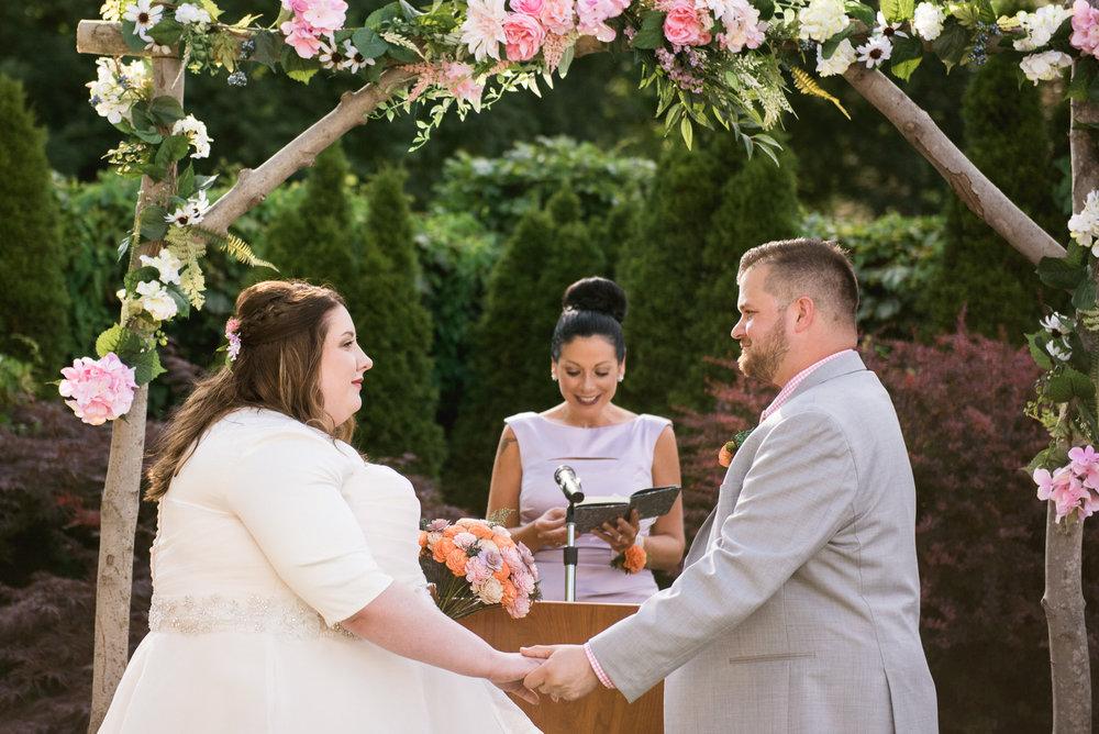 Pittsburgh_National_Aviary_Wedding_Photos_23.jpg