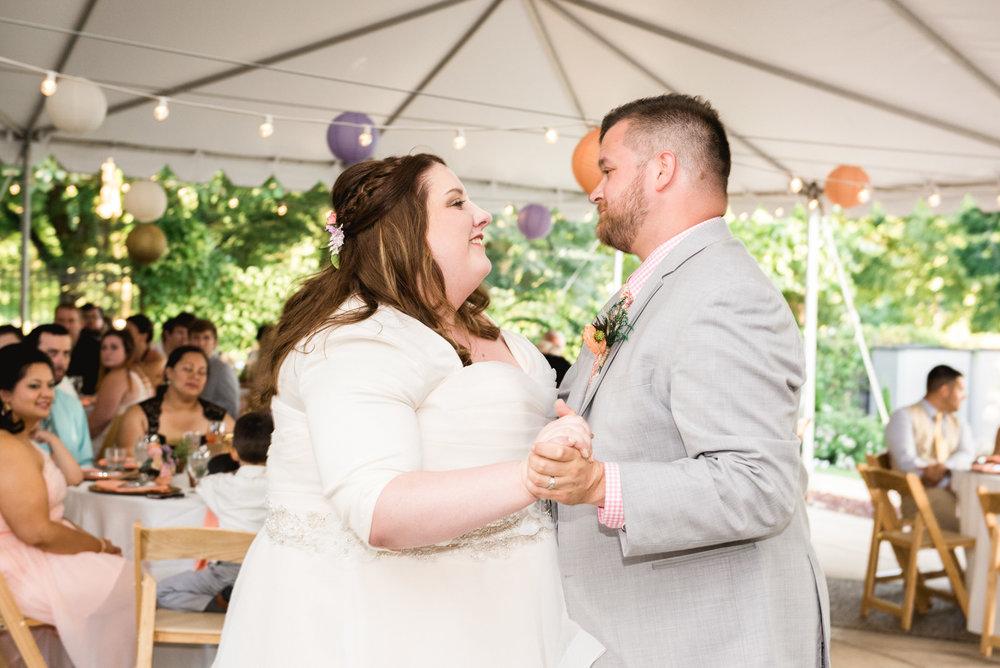 Pittsburgh_National_Aviary_Wedding_Photos_30.jpg