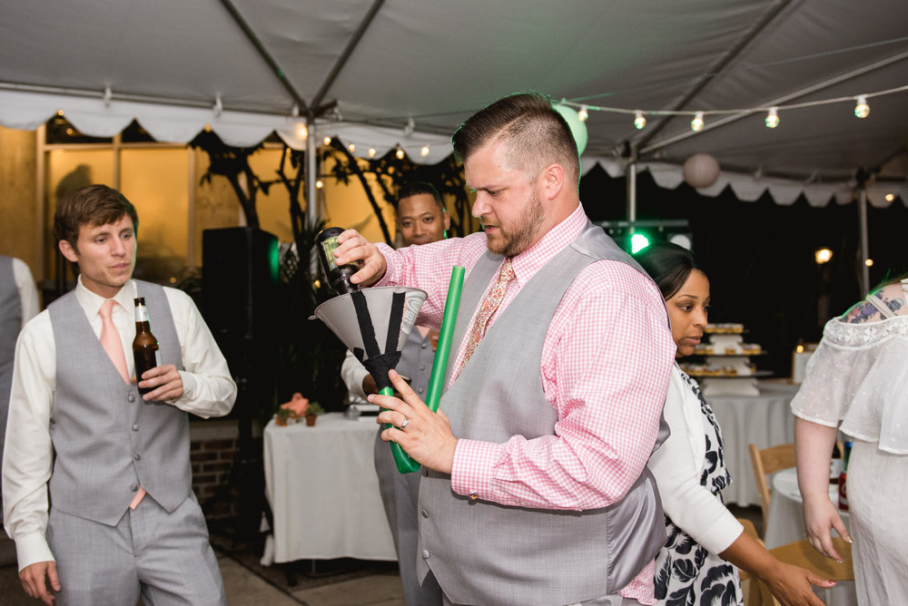 Pittsburgh_National_Aviary_Wedding_Photos_37.jpg