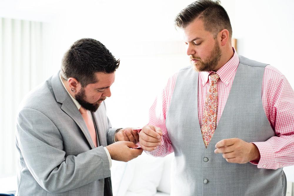 Pittsburgh_National_Aviary_Wedding_Photos_52.jpg