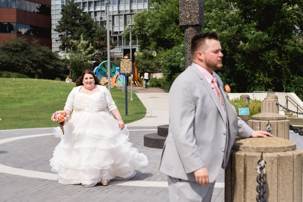 Pittsburgh_National_Aviary_Wedding_Photos_64.jpg