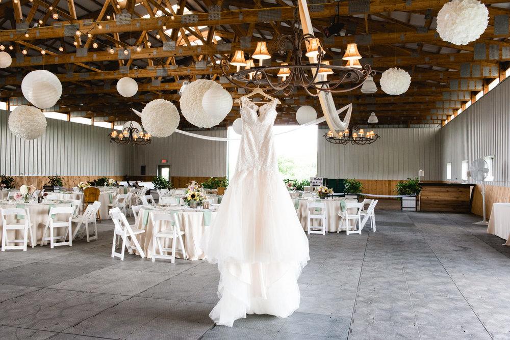 destiny-hill-farm-wedding-photos-pittsburgh-wedding-photographers-30.jpg