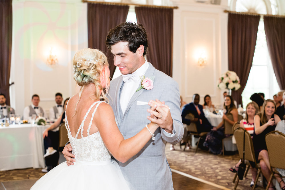 university_club_pittsburgh_wedding_photos_010.jpg