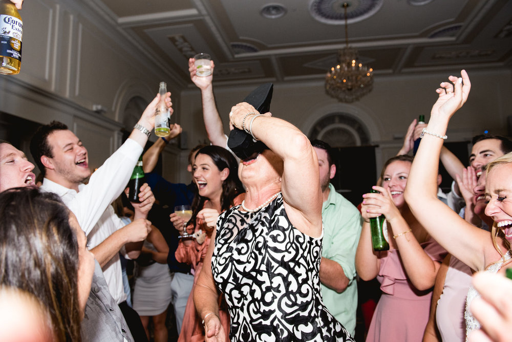 university_club_pittsburgh_wedding_photos_067.jpg