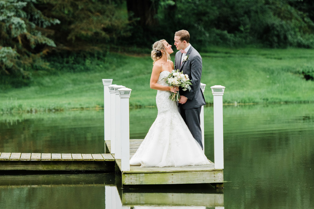 Pittsburgh-Wedding-Photographers-Shady-Elms-Wedding_2.jpg