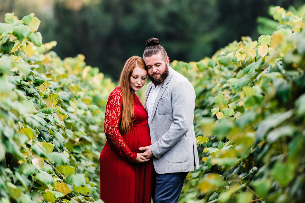 pittsburgh-maternity-photographers-winery-apple-orchard-session_39.jpg