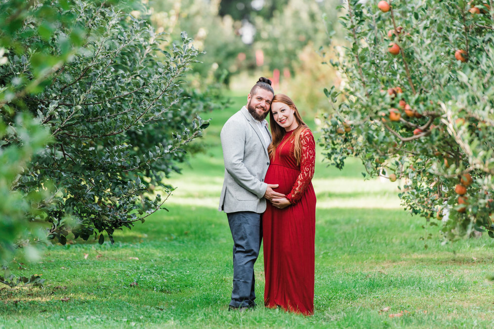 pittsburgh-maternity-photographers-winery-apple-orchard-session_24.jpg