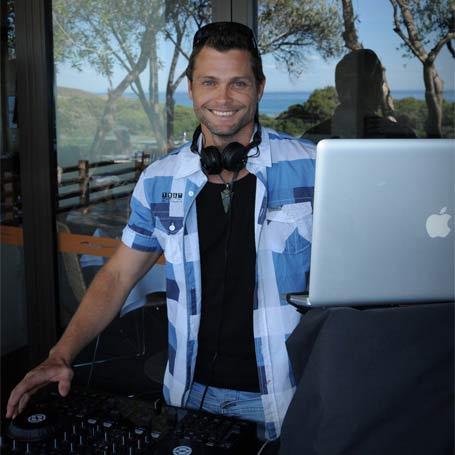 DJ AXLAKA mark slater