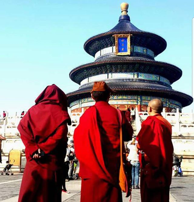 Chinese monks  #wanderlust #ilovetravel #writetotravel #instatravelling #instavacation #travelblogger #instapassport #worldtraveler #traveldeeper  #travelstroke #travelling #trip #traveltheworld #igtravel #getaway #travelblog #instago #travelpics #colors #wanderer #wanderlust #travelphoto #travelingram #mytravelgram #colors #travels #travelphotography #picoftheday #rasta #amazing #india