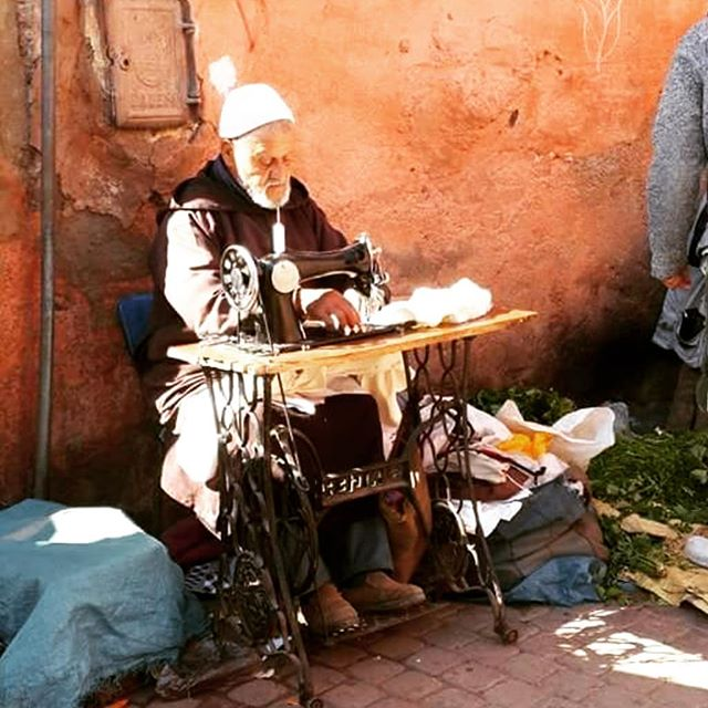 Moroccan tailor.  #wanderlust #ilovetravel #writetotravel #instatravelling #instavacation #travelblogger #instapassport #worldtraveler #traveldeeper  #travelstroke #travelling #trip #traveltheworld #igtravel #getaway #travelblog #instago #travelpics #ganga #wanderer #wanderlust #travelphoto #travelingram #mytravelgram #colors #travels #travelphotography  #morroco #fashion #amazing #india