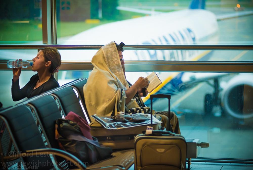 Davening - Warsaw Airport