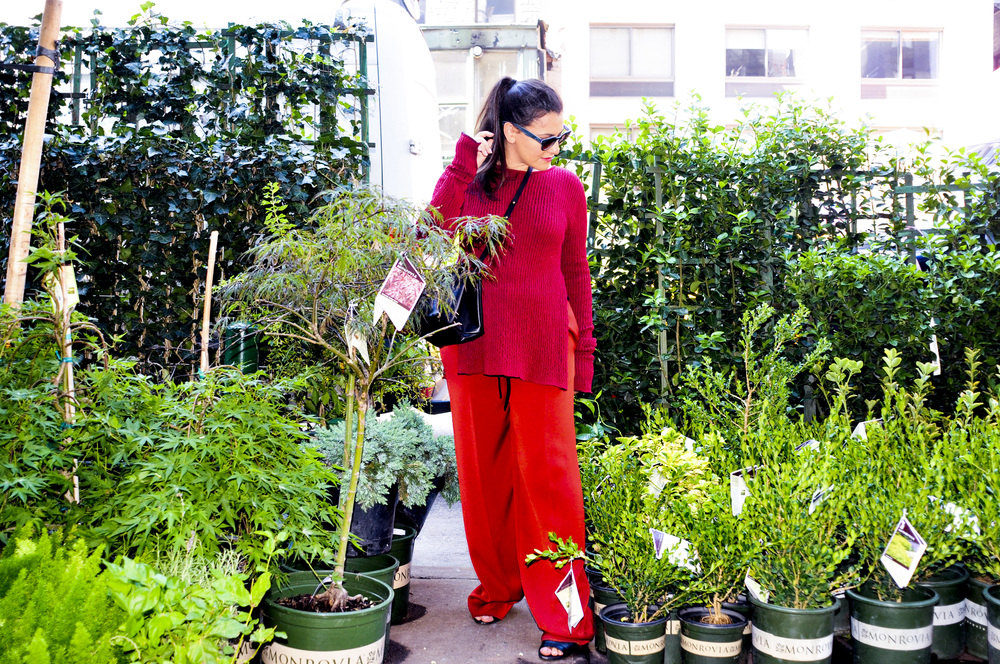 RED CRINKLEKNIT CREWNECK SWEATER, TOMATOE RED FRINGED LOUNGE PANT, BLACK MINI 'BLOGGER' BAG