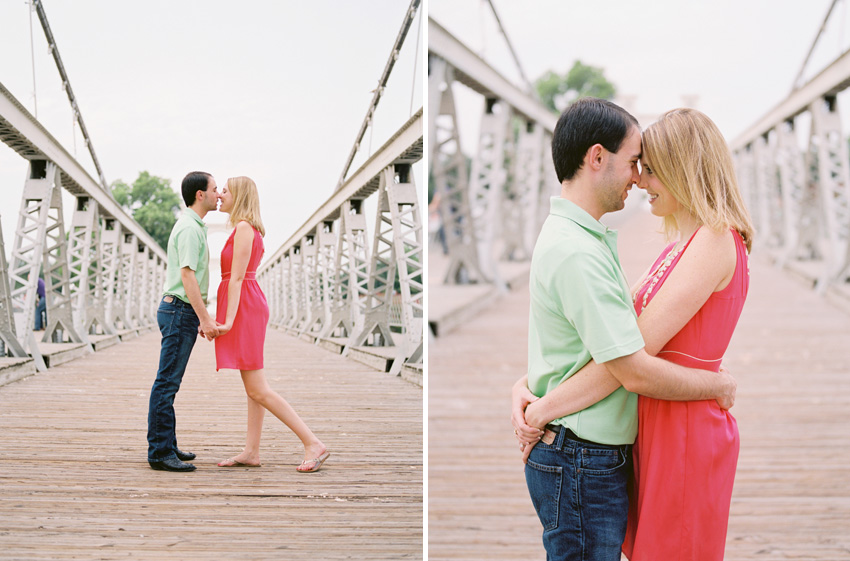 waco.texas.bridge.engagement.photography