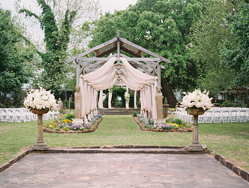 Elmwood Gardens Wedding Photography - by Krystle Akin | Fine Art Wedding Photography