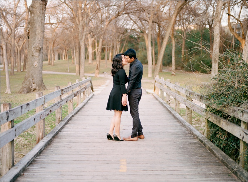 WhiteRock.Lake.Dallas.Texas.Engagement.Photography_0018.jpg