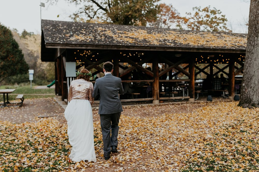 2017-10-20_0032-relaxed-outdoor-wisconsin-wedding.jpg