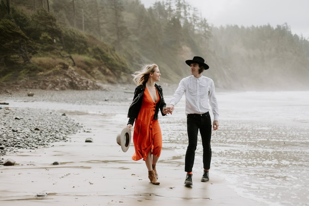 oregon-coast-adventure-engagment-photography-2018-04-25_0026.jpg