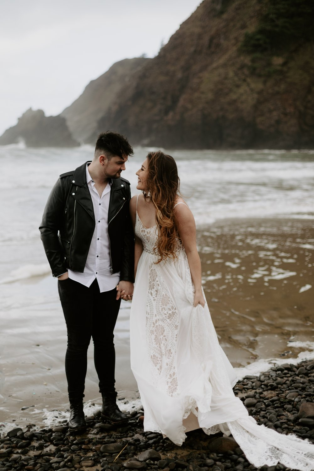 intimate-oregon-coast-elopement-2018-04-26_0007.jpg