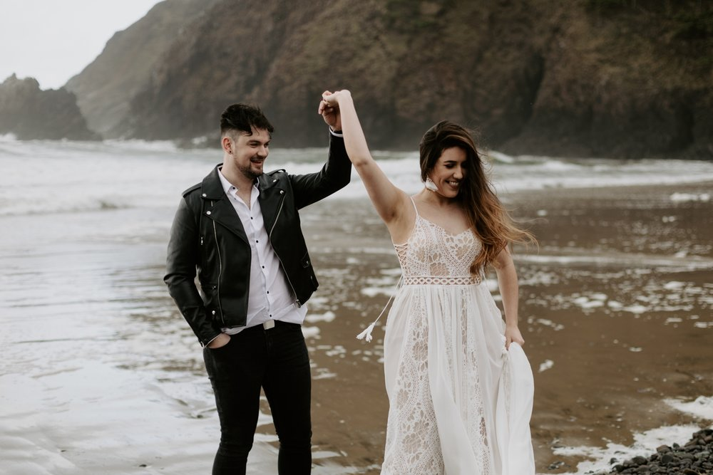 intimate-oregon-coast-elopement-2018-04-26_0008.jpg