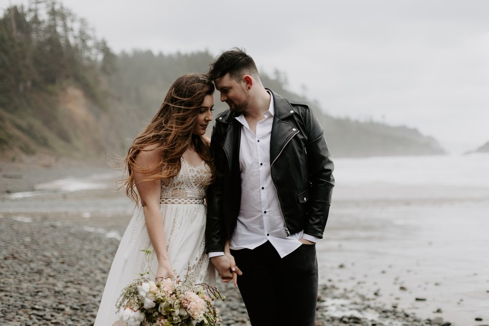 intimate-oregon-coast-elopement-2018-04-26_0009.jpg