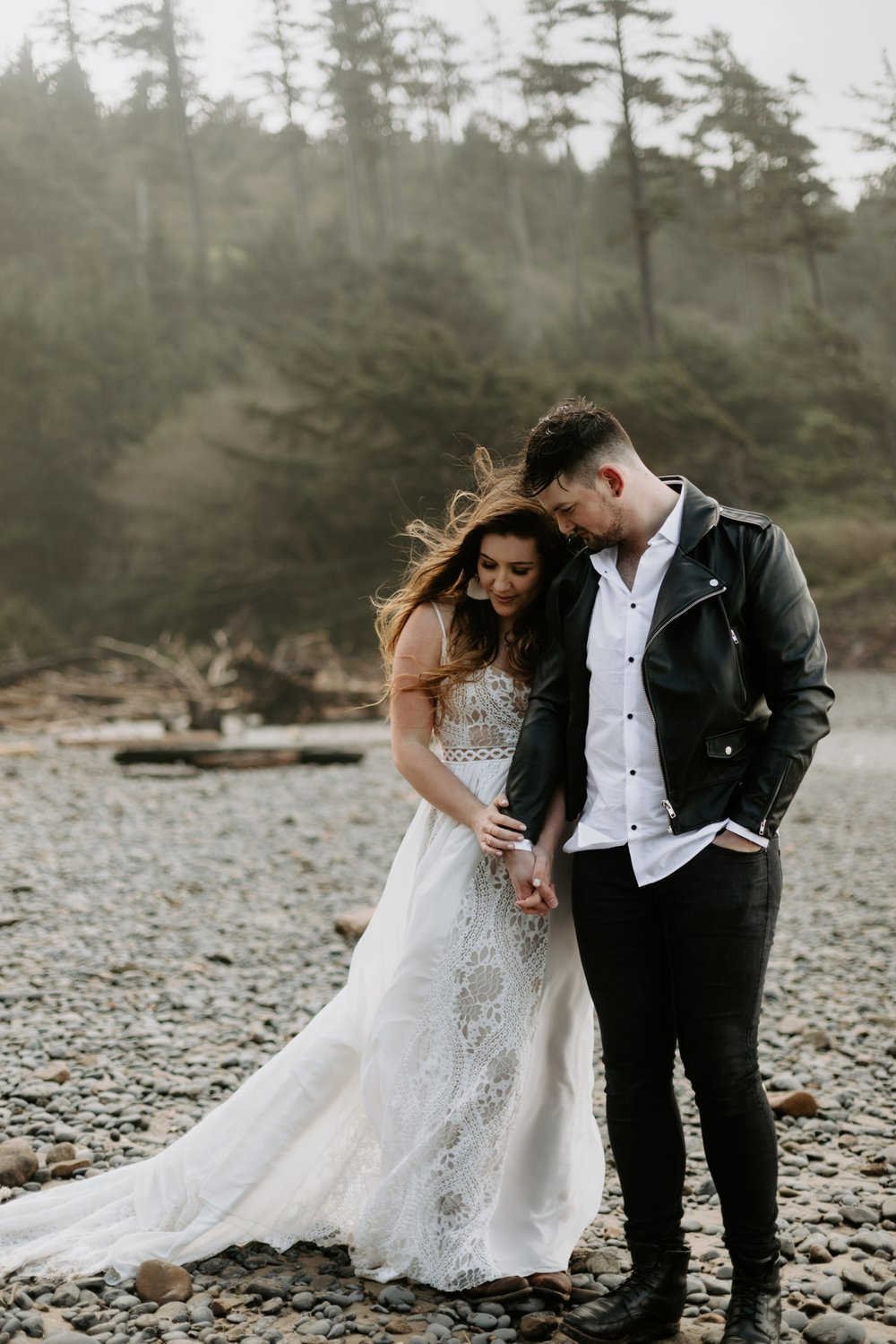 adventurous-cannon-beach-elopement-2018-04-26_0027.jpg